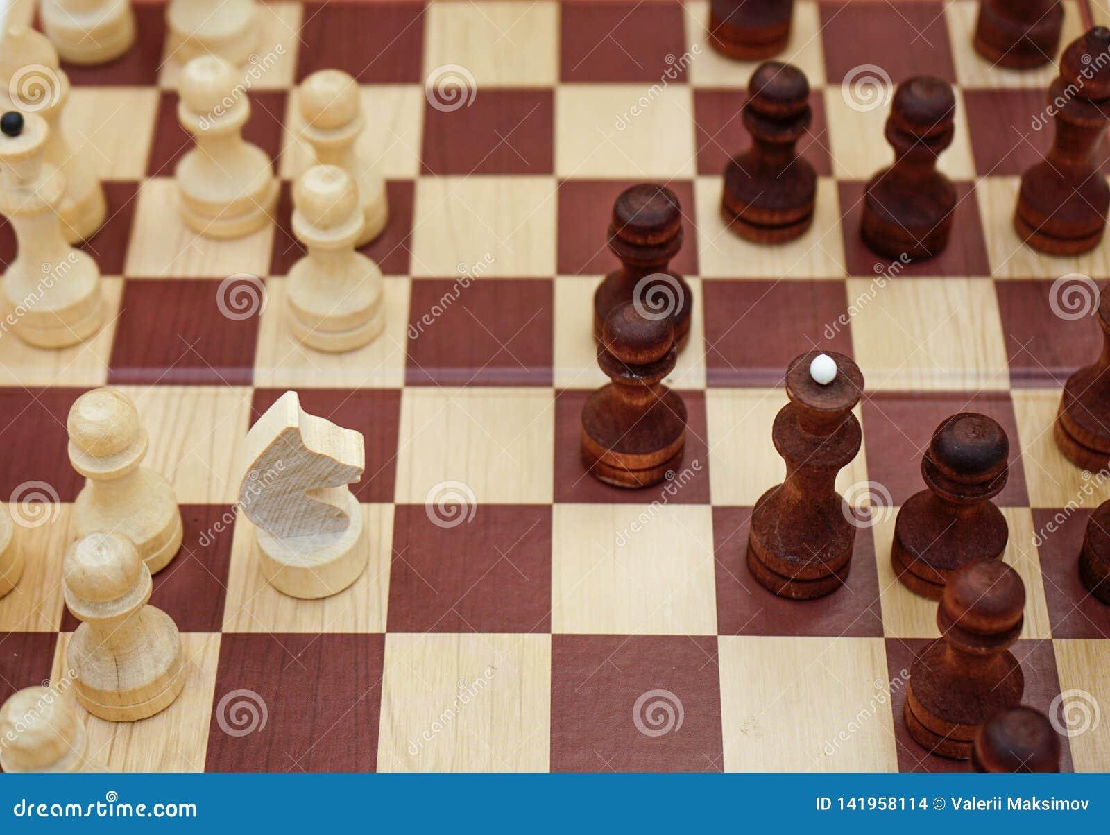 Schach-Brett mit den Zahlen gesetzt auf es
