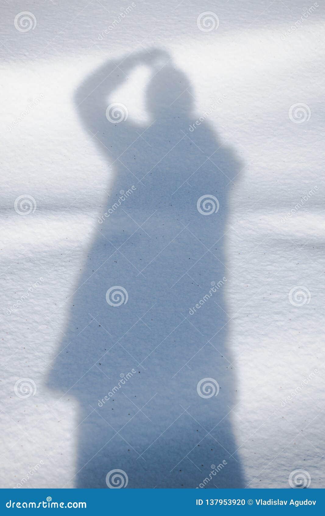 Schaduw op duidelijke sneeuw