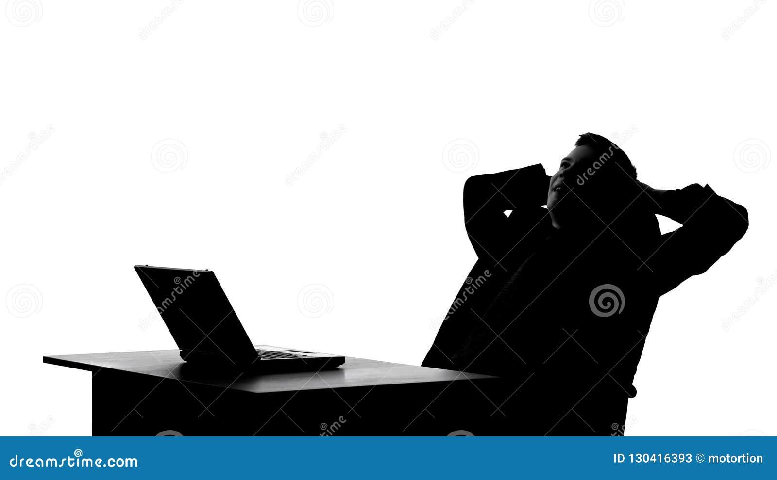 Schaduw van schrijver het denken op idee, geïnspireerd het schrijven nieuw hoofdstuk op computer