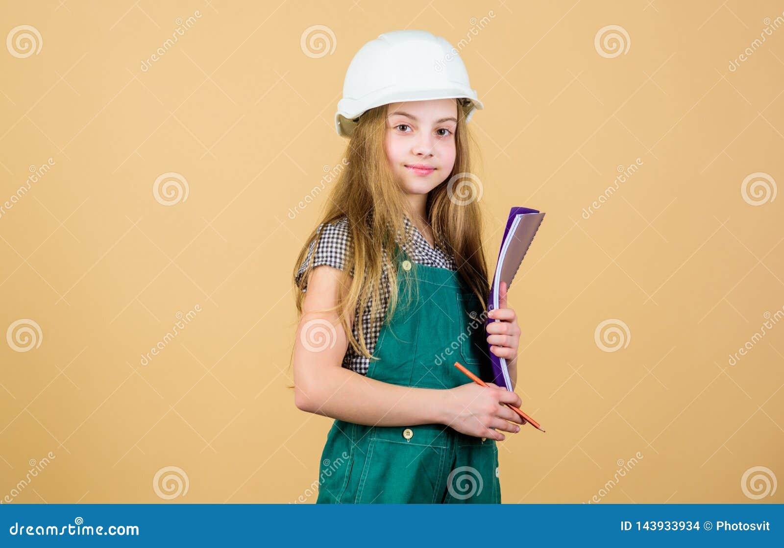 Schaffen Sie Raum, den Sie immer träumten Steuererneuerungsprozeß Kinderglückliches Erneuerungshaus Heimwerkentätigkeit zicklein