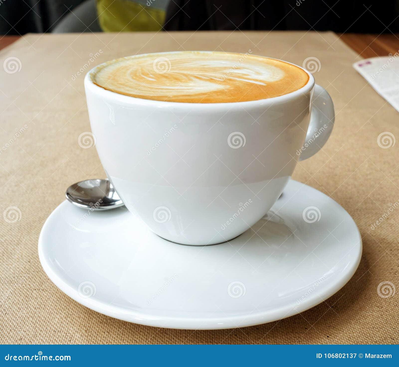Download Schale Cappuccino stockbild. Bild von schaum, espresso - 106802137