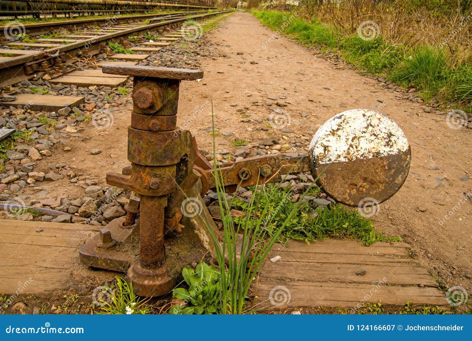 Schalter einer alten geschlossenen Eisenbahn