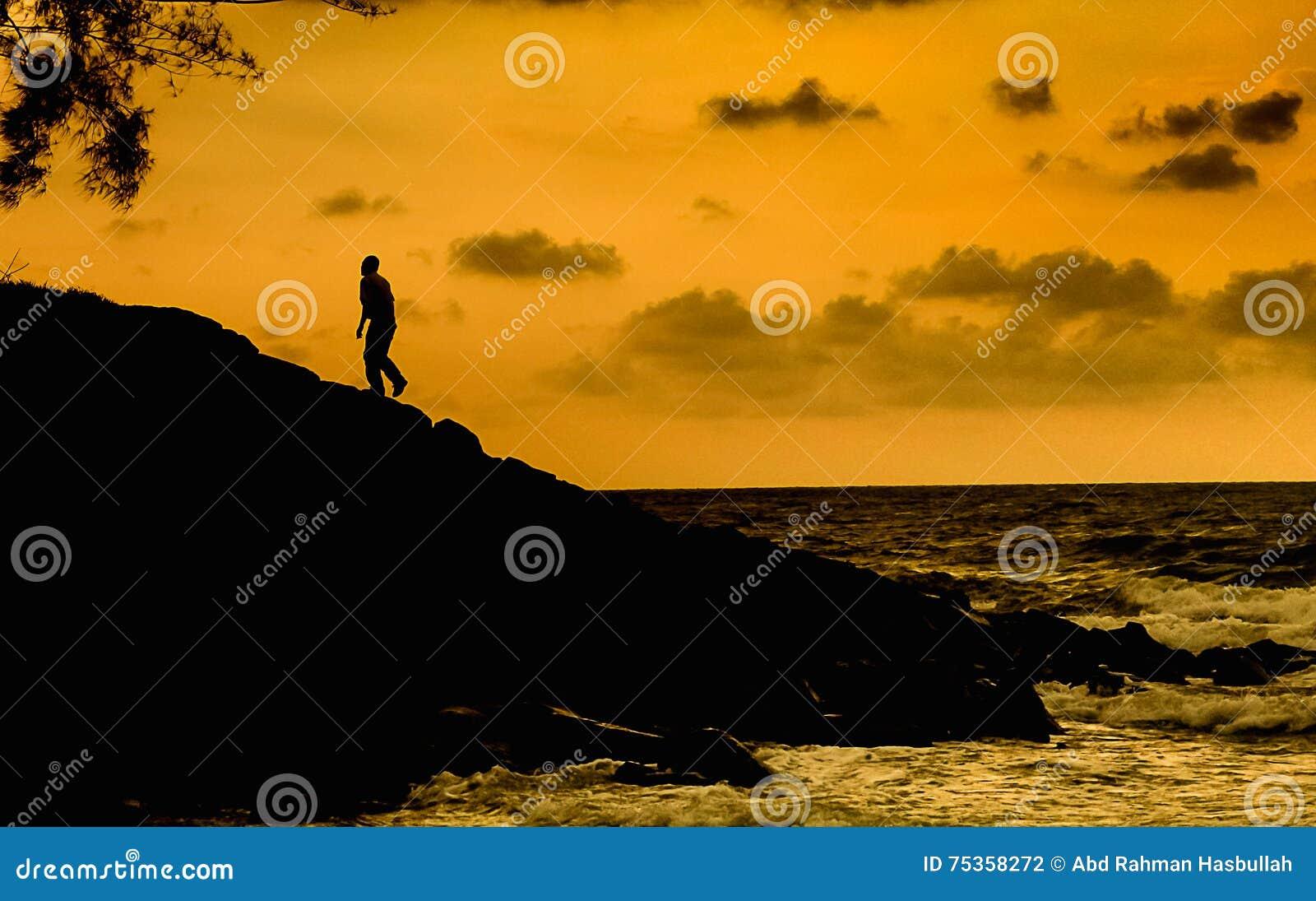 Schattenbild des gehenden Mannes