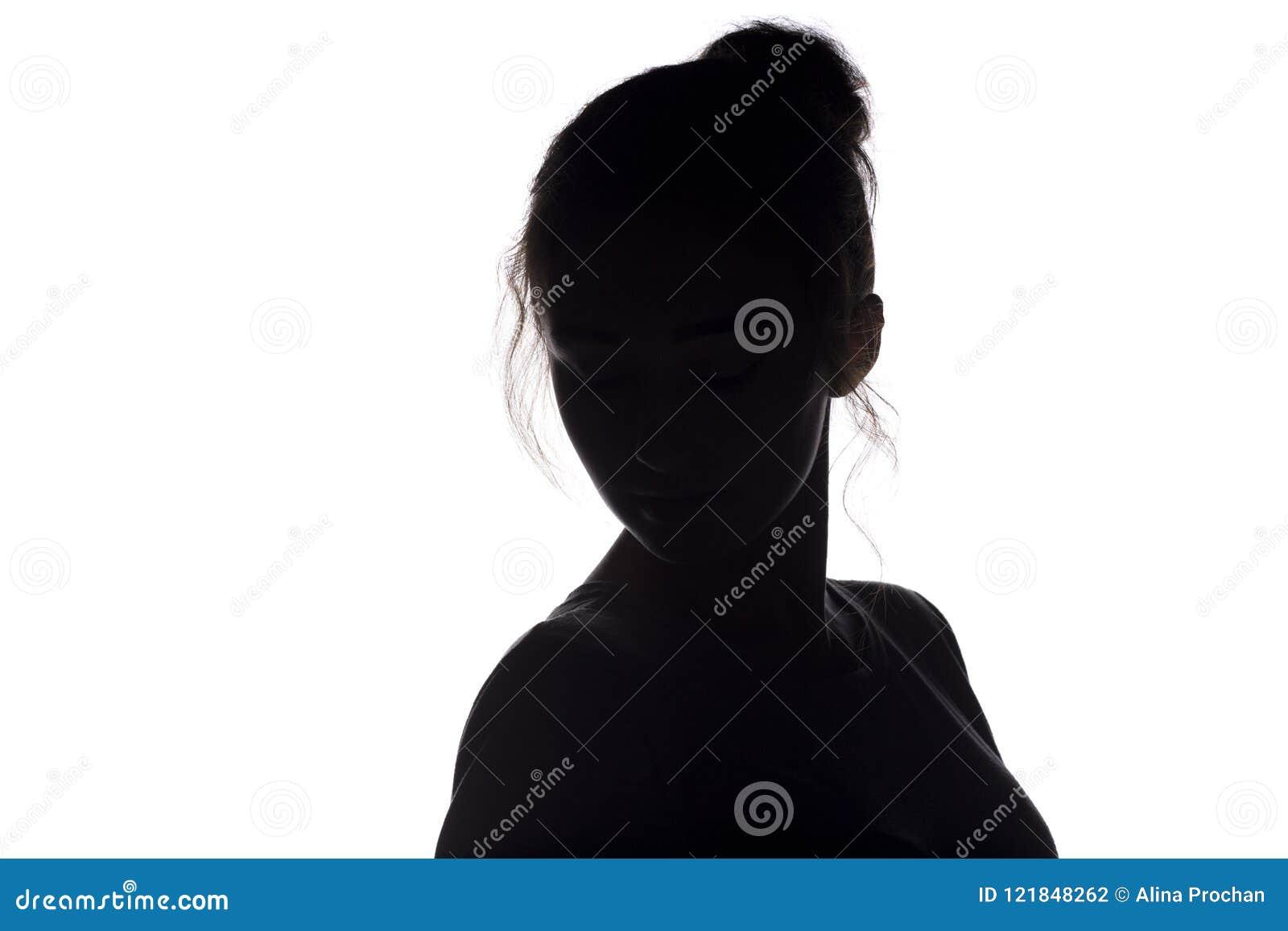 Schattenbild des Kopfes der jungen Frau mit Frisur auf einem Weiß lokalisierte Hintergrund