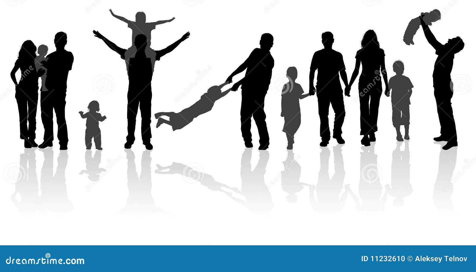 Schattenbild glückliche familie auf weg in der tätigkeit