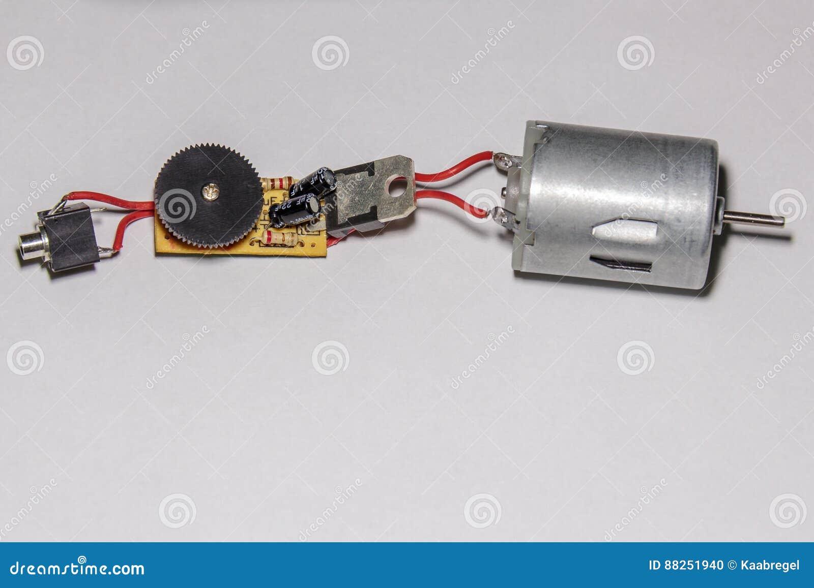 Schema Elettrico Trapano Reversibile : Schema dell assemblea per i mini trapani fotografia stock