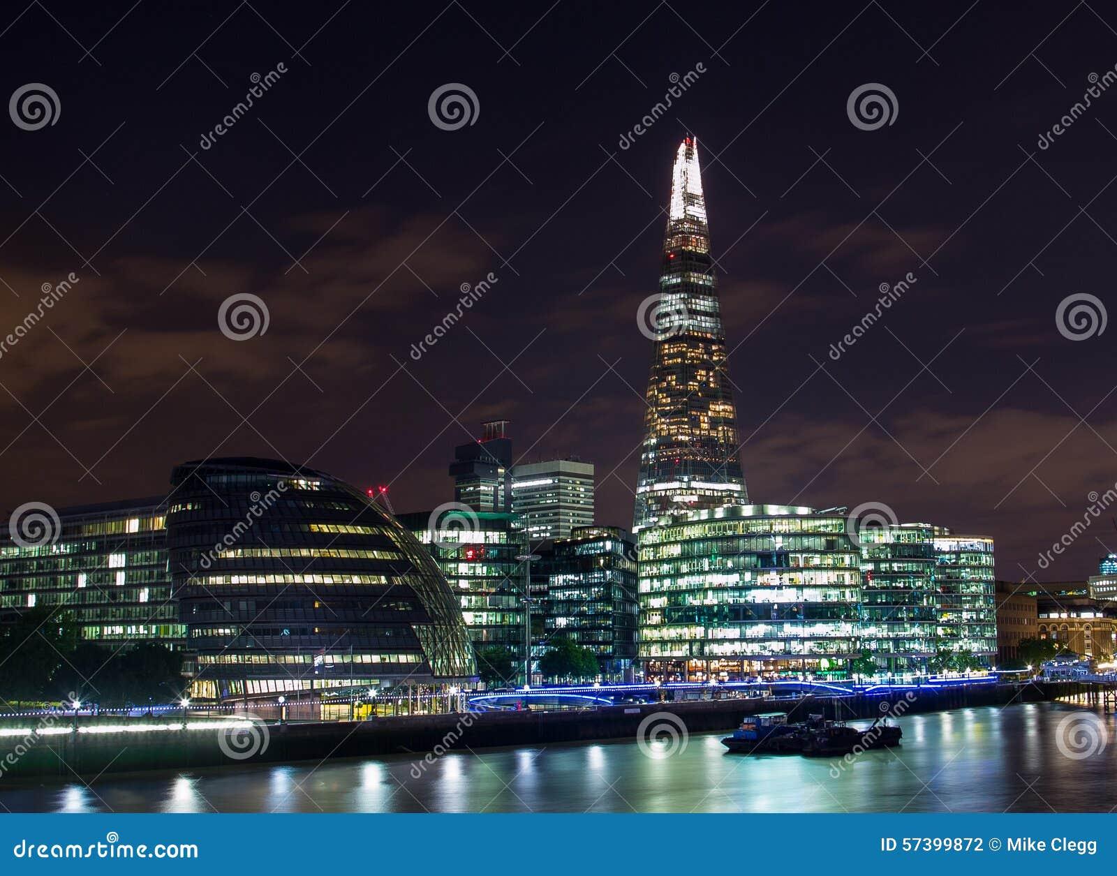 Scherf, Stadhuis en Andere gebouwen in Londen