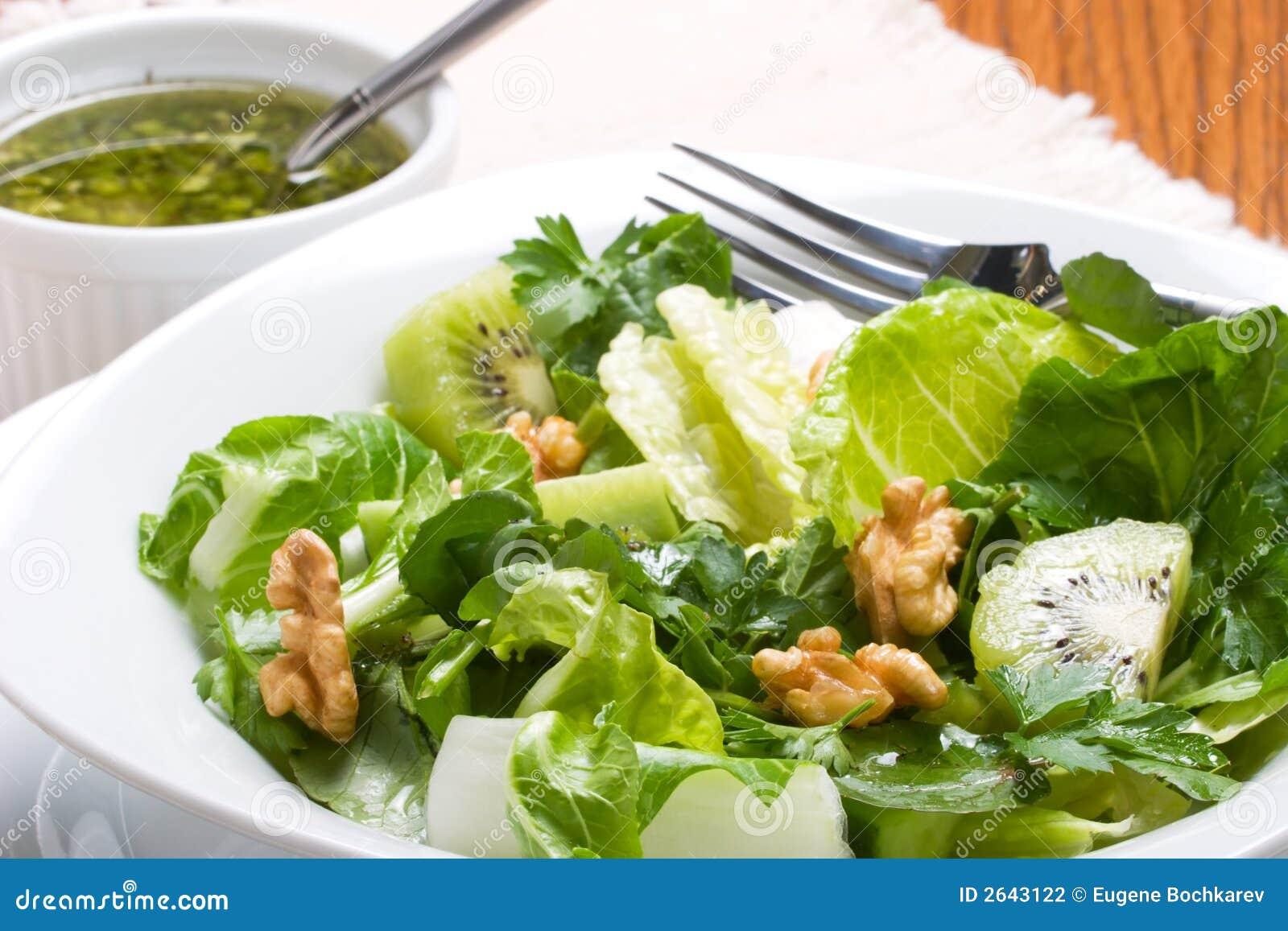 Scherpe en zoete groene salade