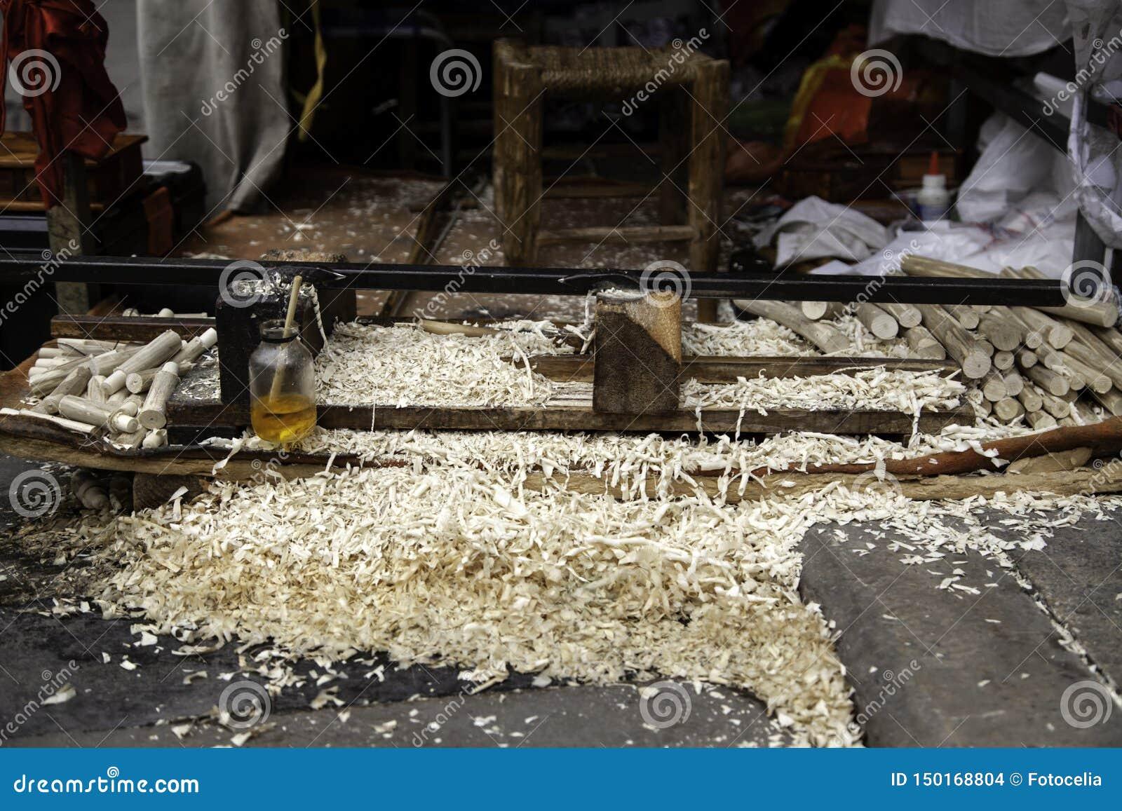 Scherpe houten spaanders