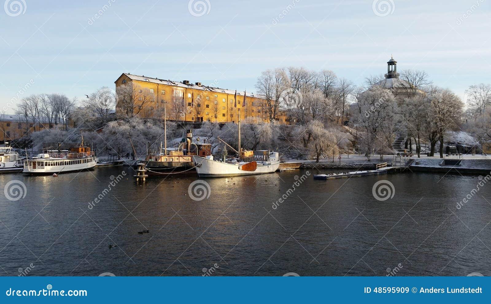 Schiffe in Stockholm bei Skeppsholmen