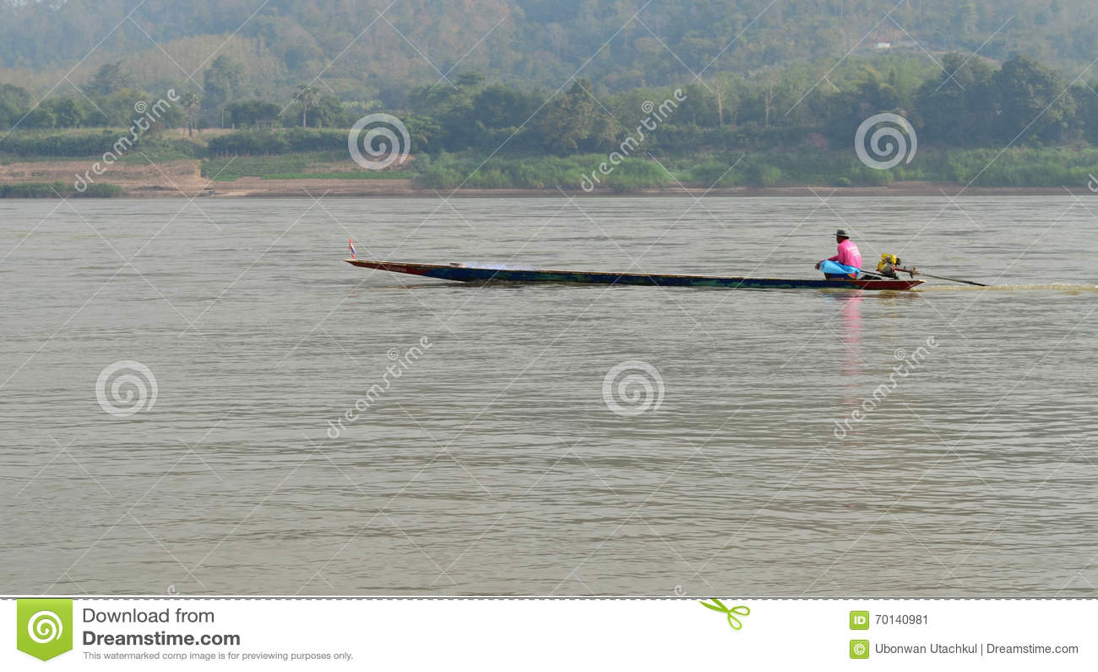 Schiffer Sailing Motorboat In der Fluss