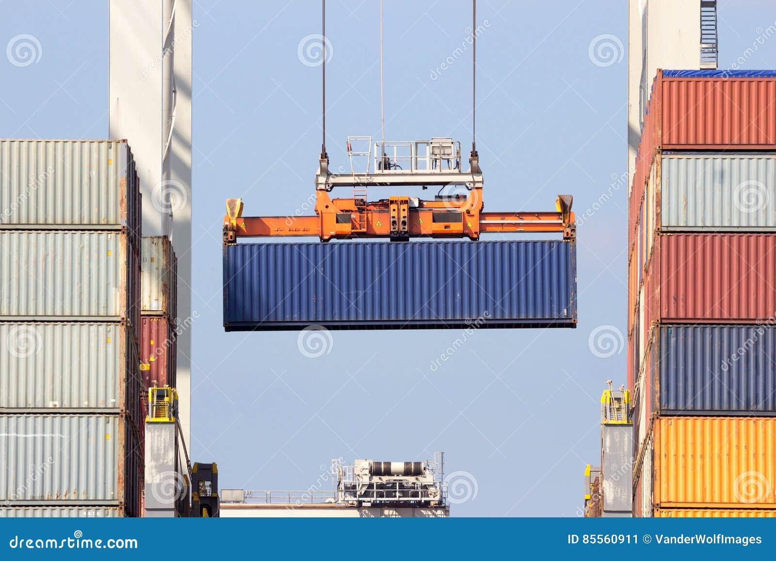 Schiffsladenbehälter
