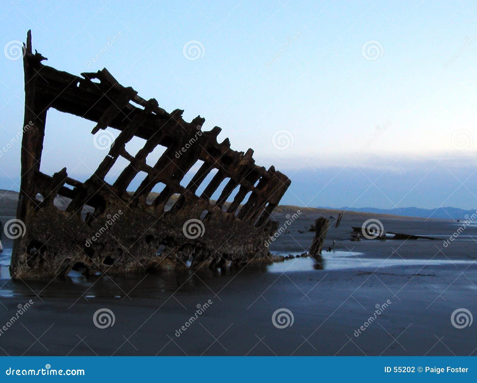 Schiffswrack-Schattenbild 4