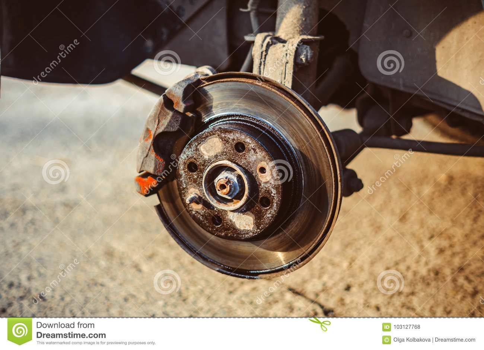 Schijfrem van het voertuig voor reparatie
