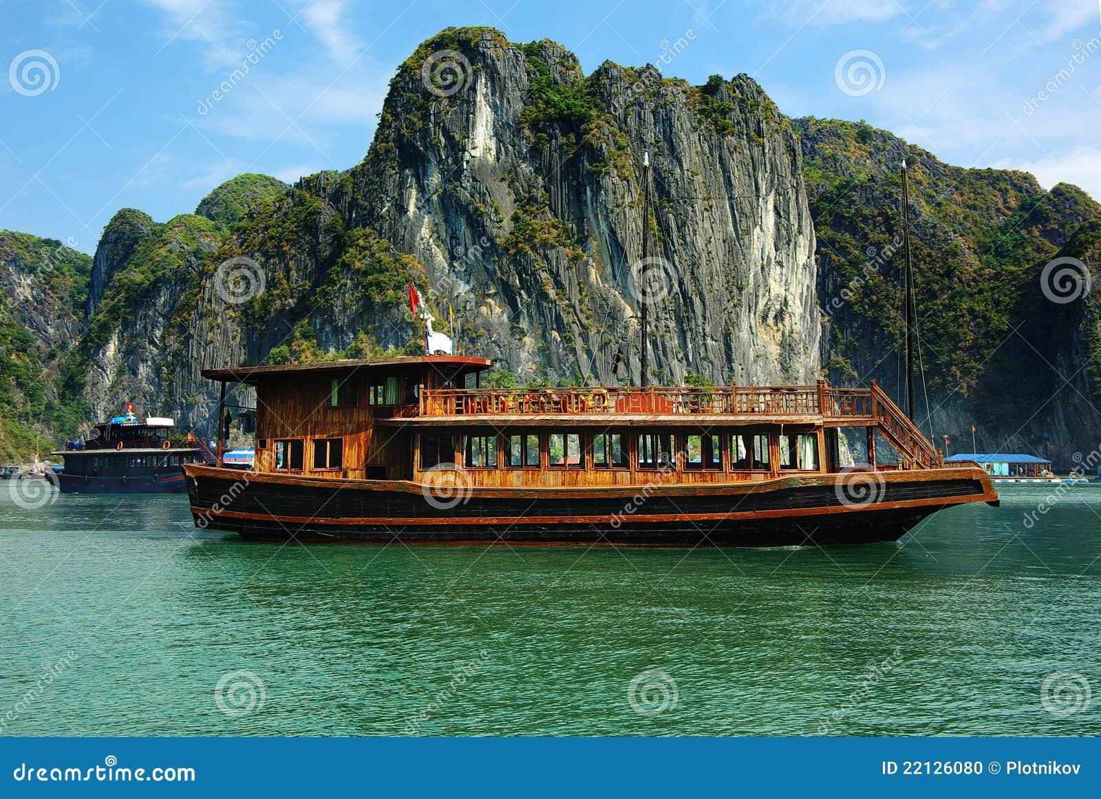 Schilderachtig overzees landschap. De Baai van HaLong, Vietnam
