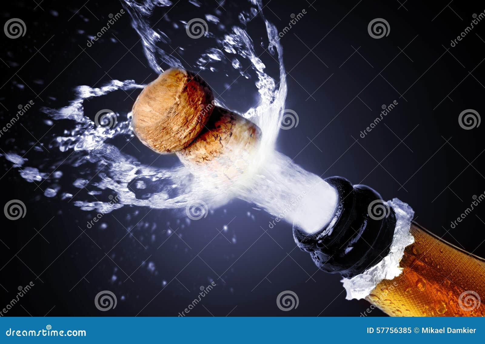 Schioccare del sughero di Champagne