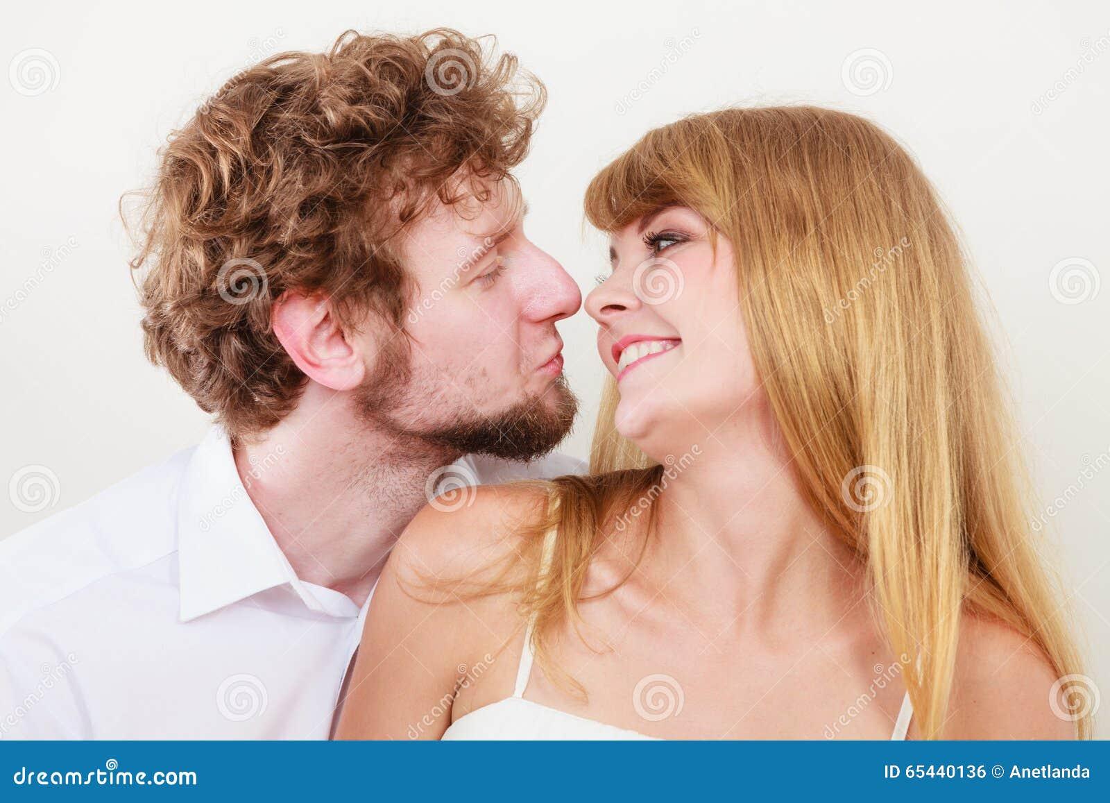 Liv Tyler dating Joaquin Phoenix