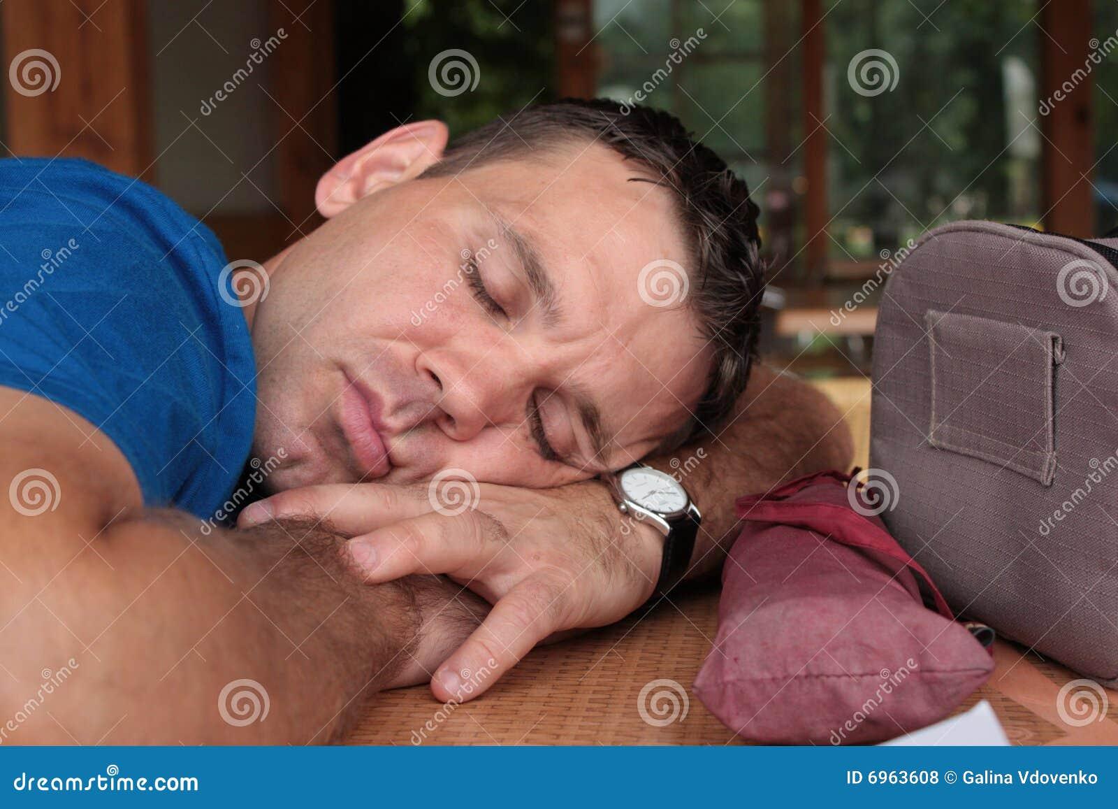 Schlafen der Mann