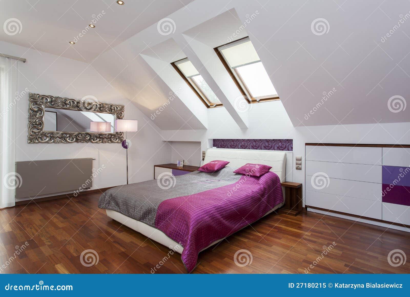 Schlafzimmer im dachboden stockbild bild von herrlich - Dachboden schlafzimmer ...