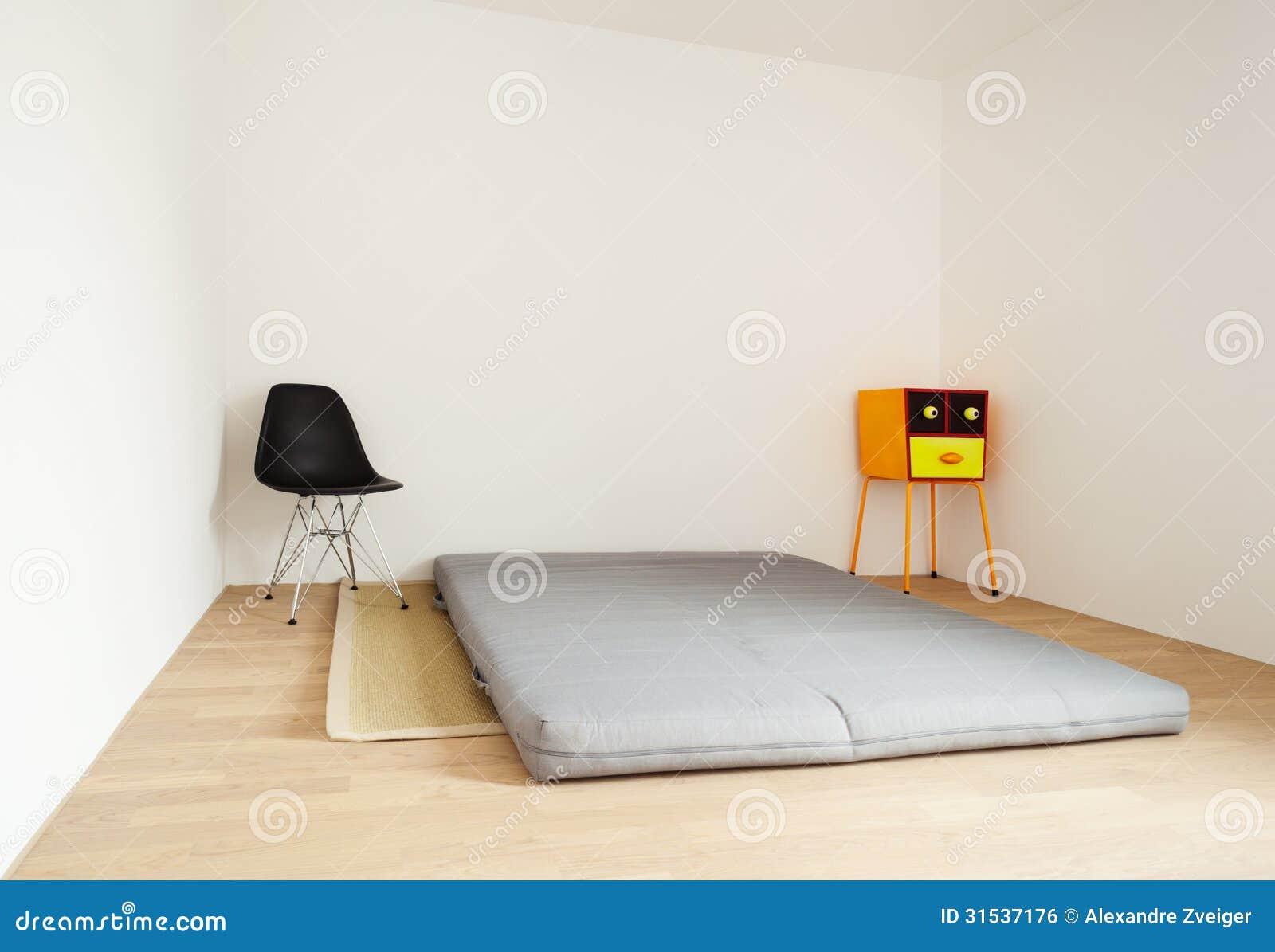 Fußboden Schlafzimmer Xl ~ Schlafzimmer mit einer matratze stockfoto bild von fußboden