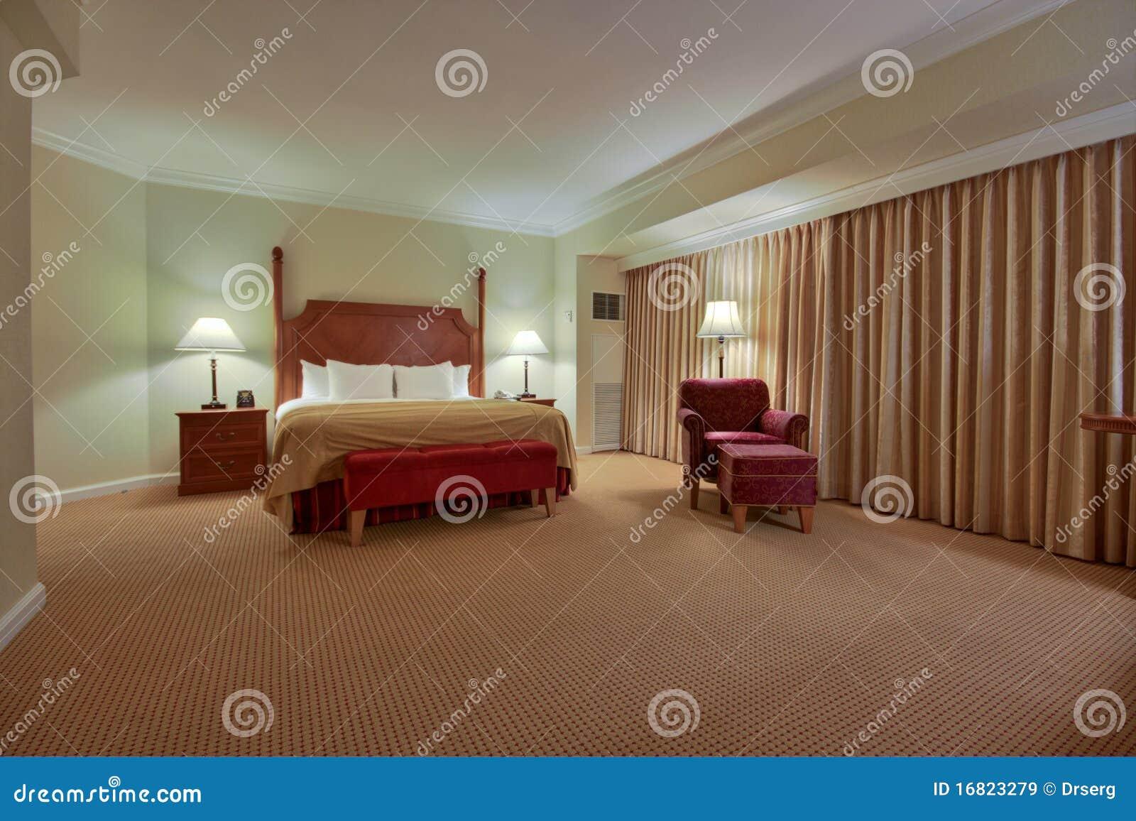 Fußboden Schlafzimmer Komplett ~ Schlafzimmer mit trennvorhang stockbild bild von eleganz