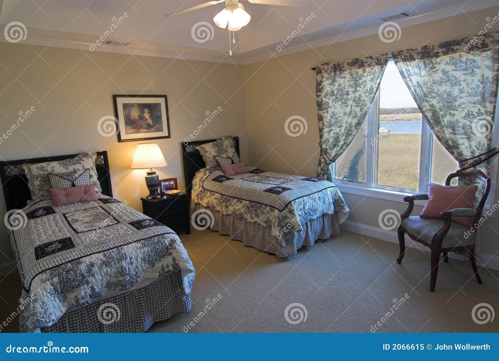 Schlafzimmer mit Ufergegendansicht