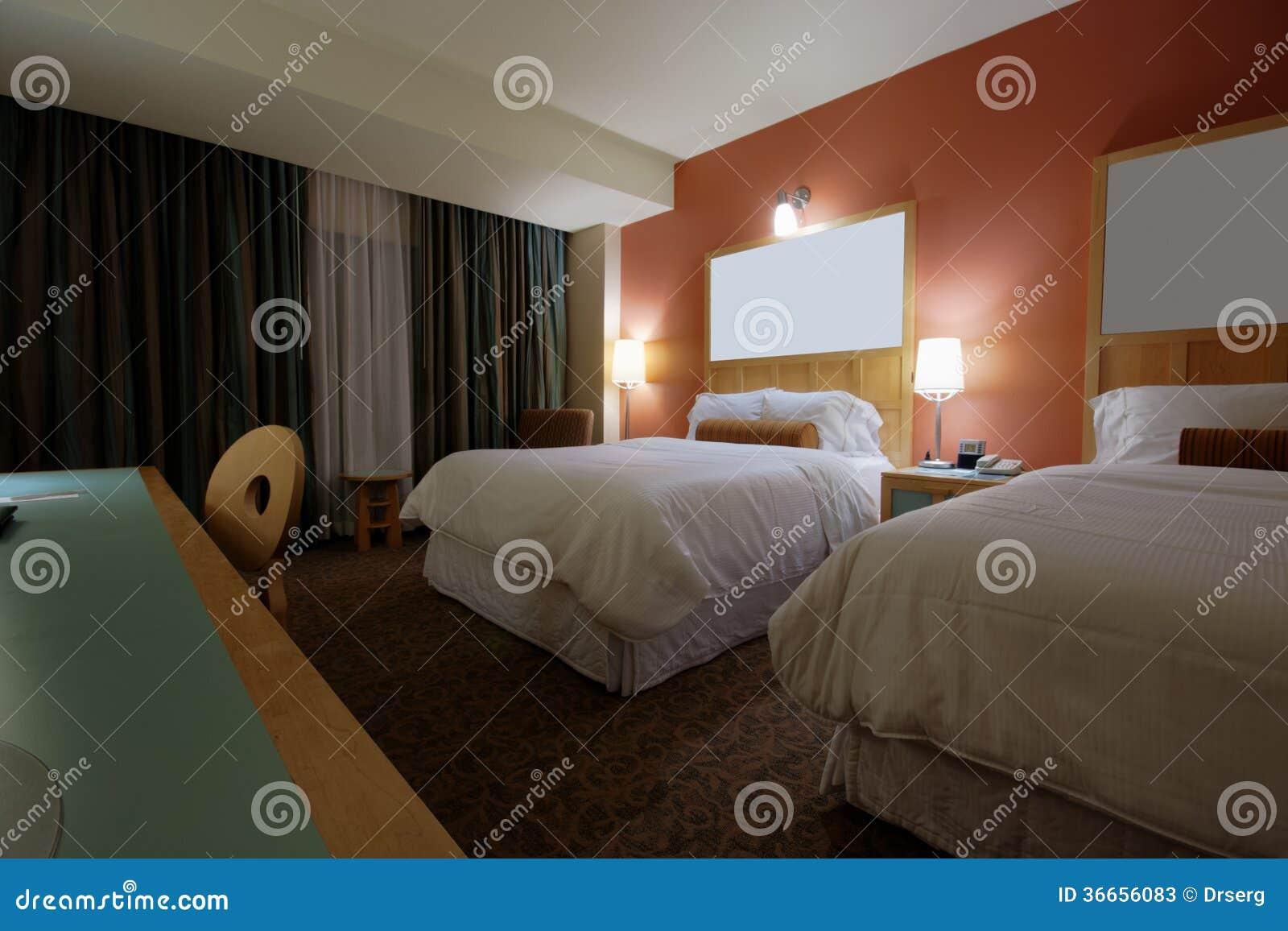 Schlafzimmer Mit Zwei Betten Mit Drei Lampen