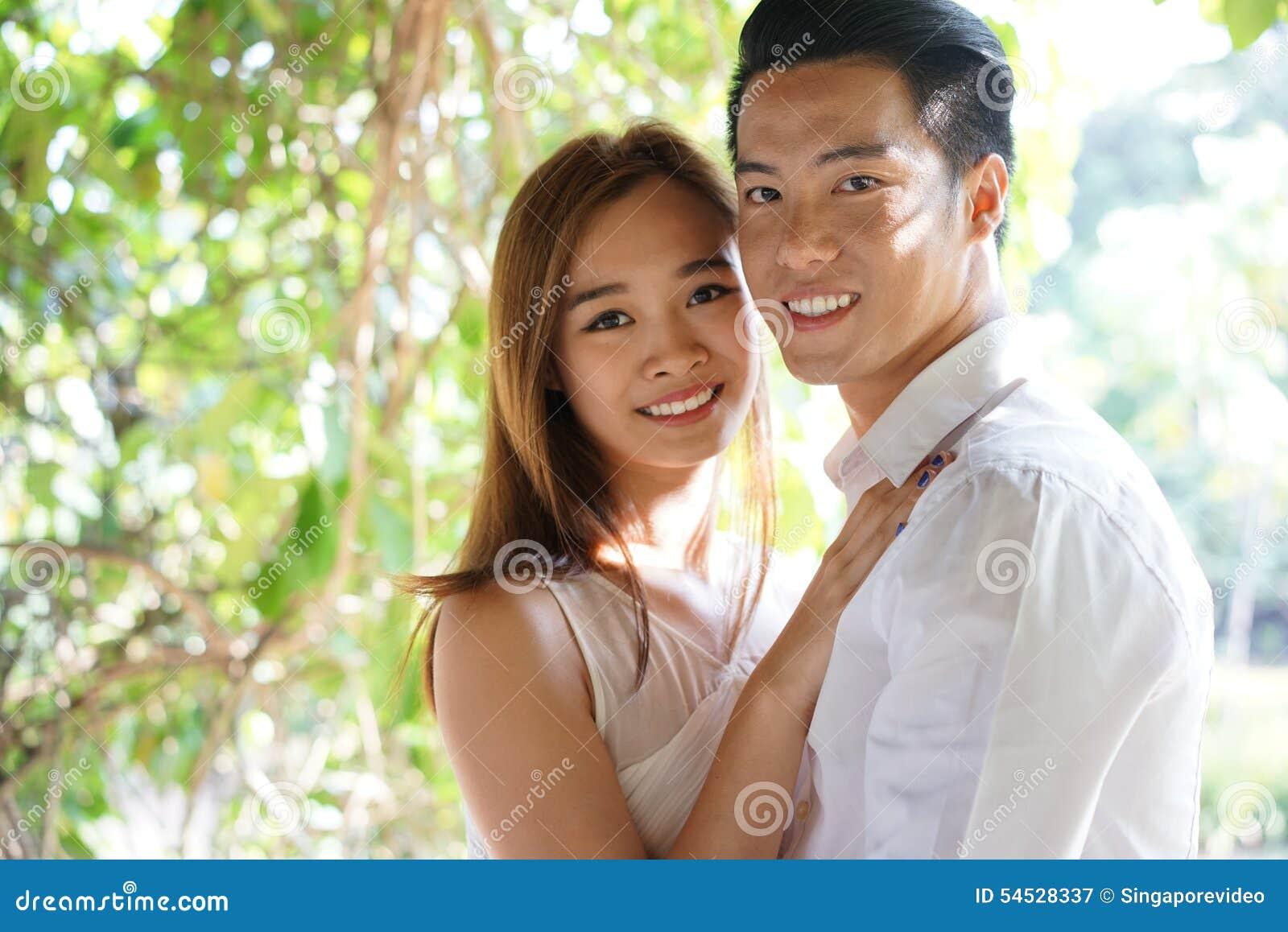 Asiatische Datierung weißer Kerl Haken mit meinem Ex