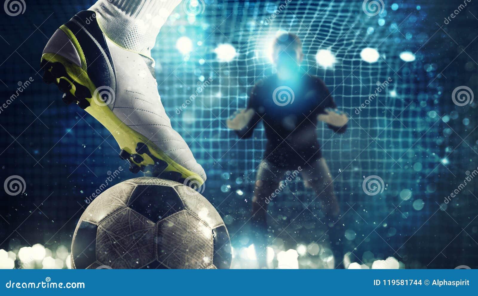 Schließen Sie oben von einem Fußballschlaggerät, das zu den Tritten den Ball im Fußballziel bereit ist