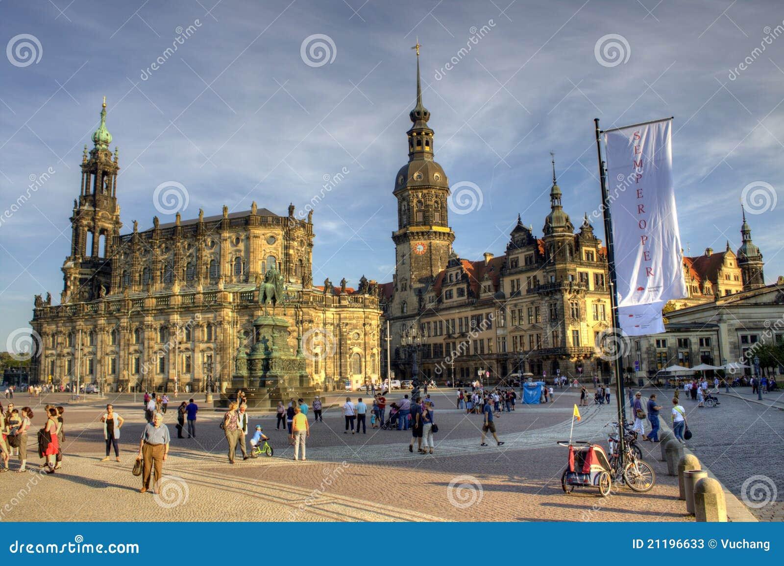 Schloss und Sclosskirche in Dresden