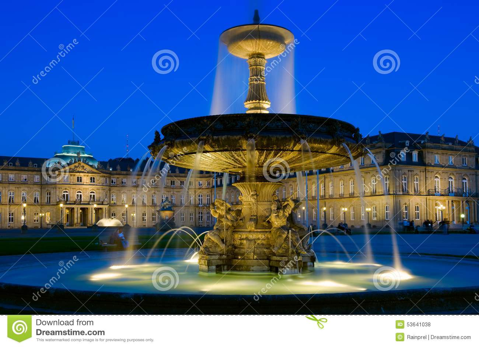 Schlossplatz Brunnen In Stuttgart, Deutschland