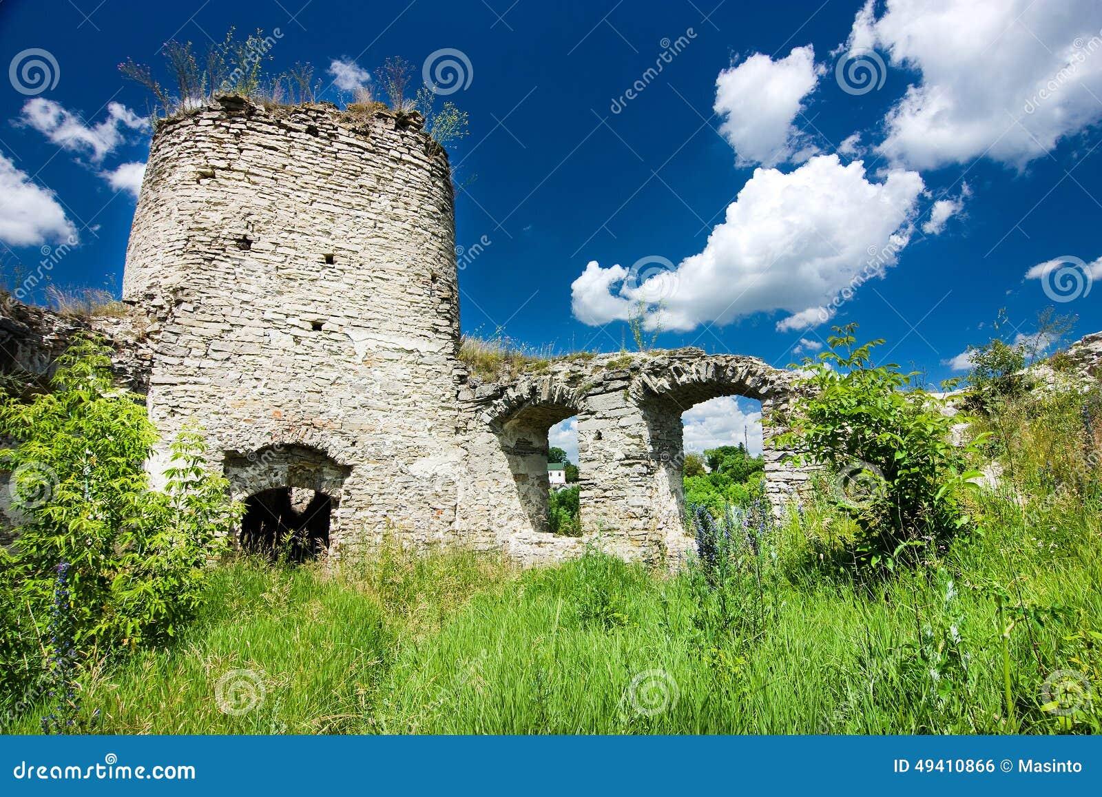 Download Schlossruinen in Sidoriv stockfoto. Bild von fort, mittelalterlich - 49410866