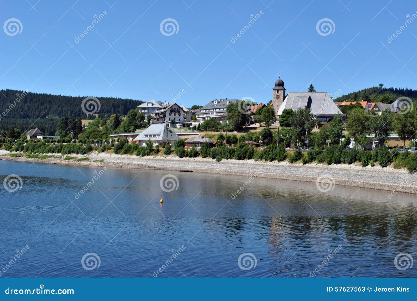 Schluchsee et lac for t noire image stock image 57627563 - Piscine foret noire le havre ...