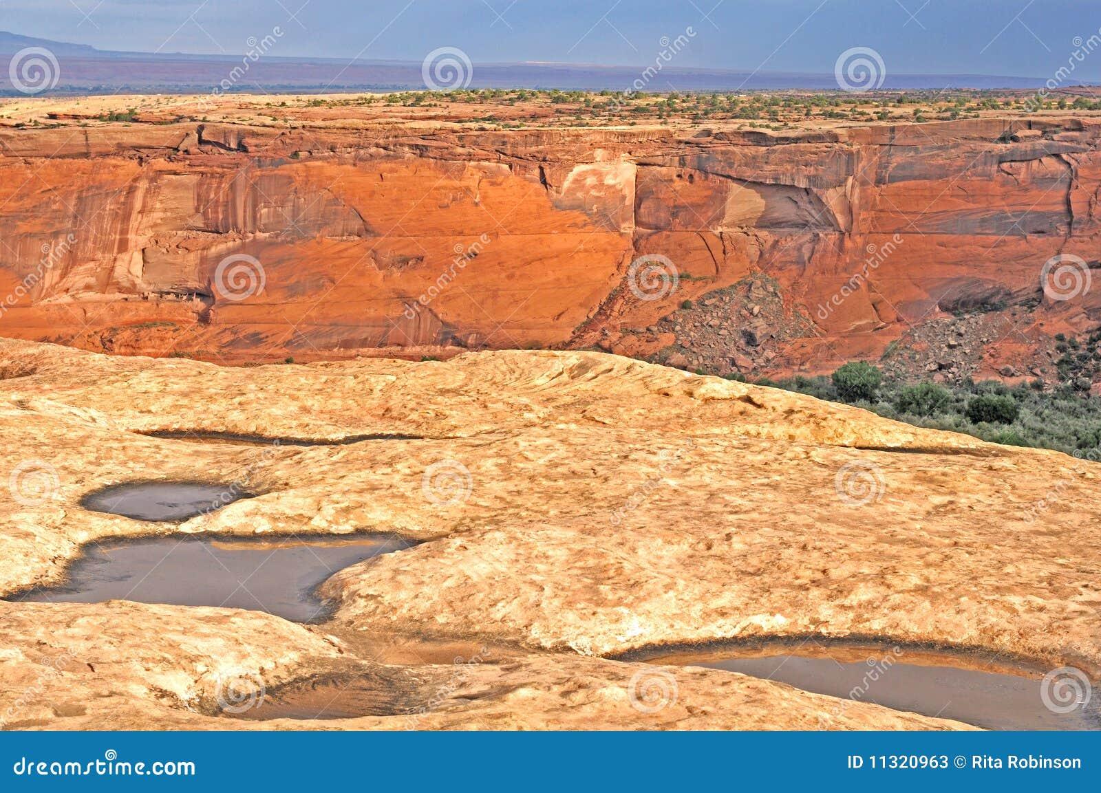 Schluchtwasserfelsen