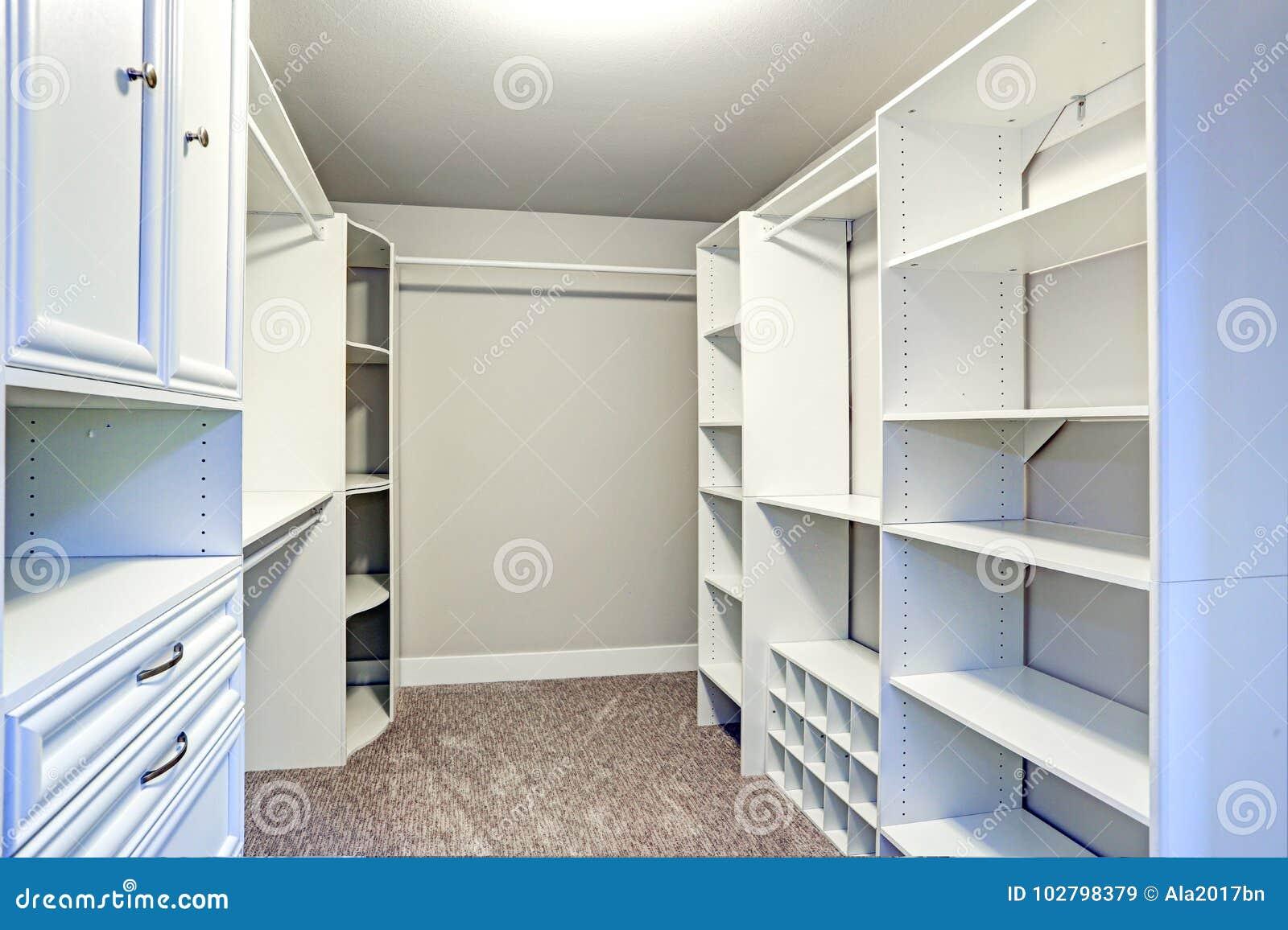 schrank auf schienen blendend schienen schrank mit schubladen selber bauen kn u bau schrank mit. Black Bedroom Furniture Sets. Home Design Ideas