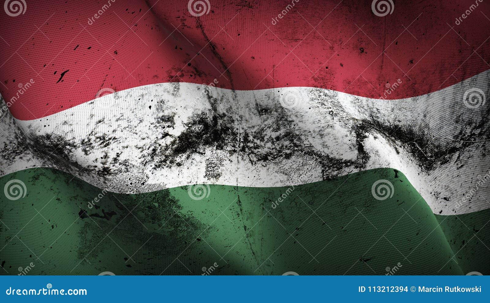 Schmutziges fahnenschwenkendes Ungarn-Schmutzes auf Wind