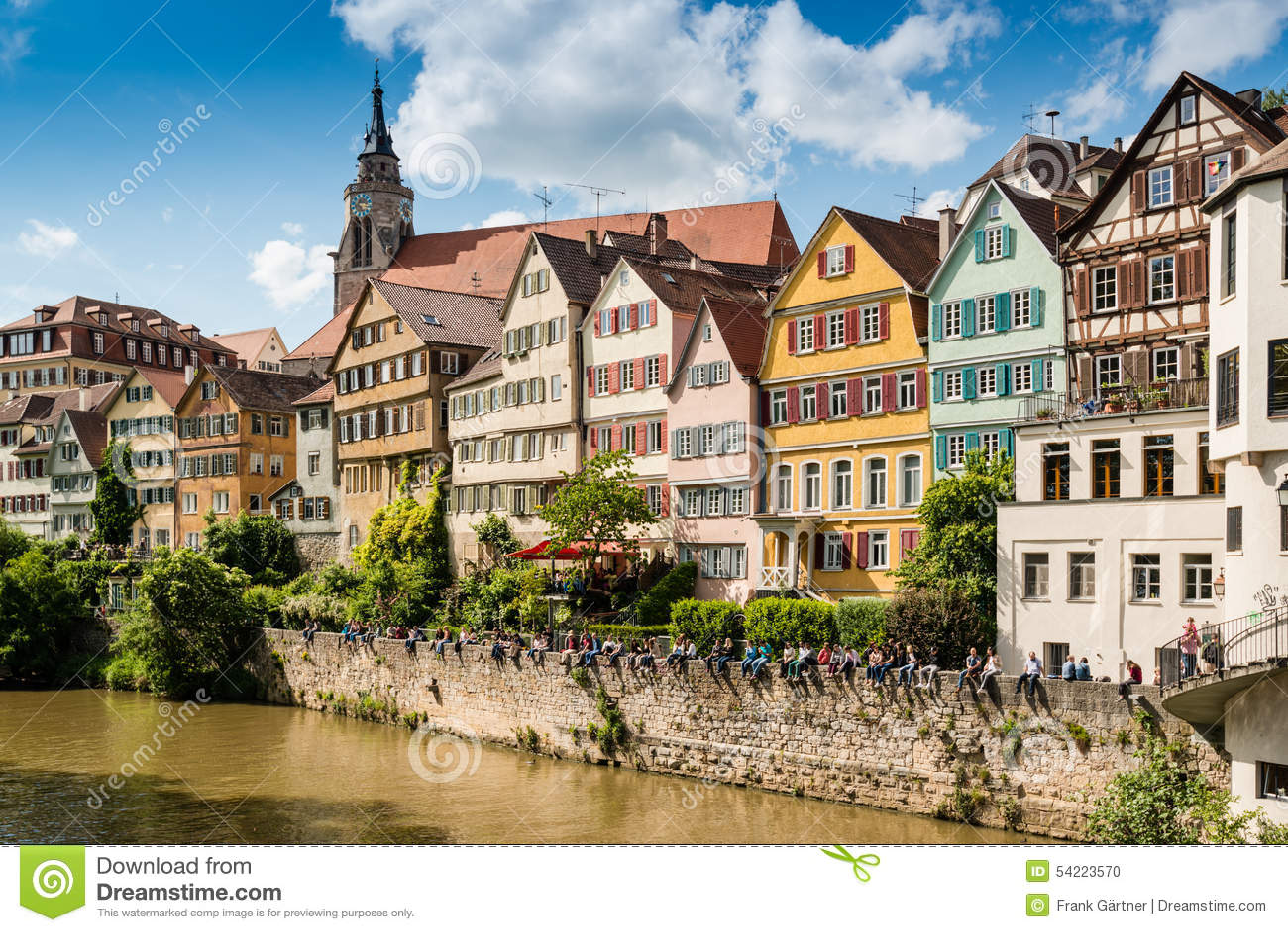 Schöne Häuser Im Stadtzentrum Gelegen In Der Ufergegend ... size: 1300 x 958 post ID: 7 File size: 0 B