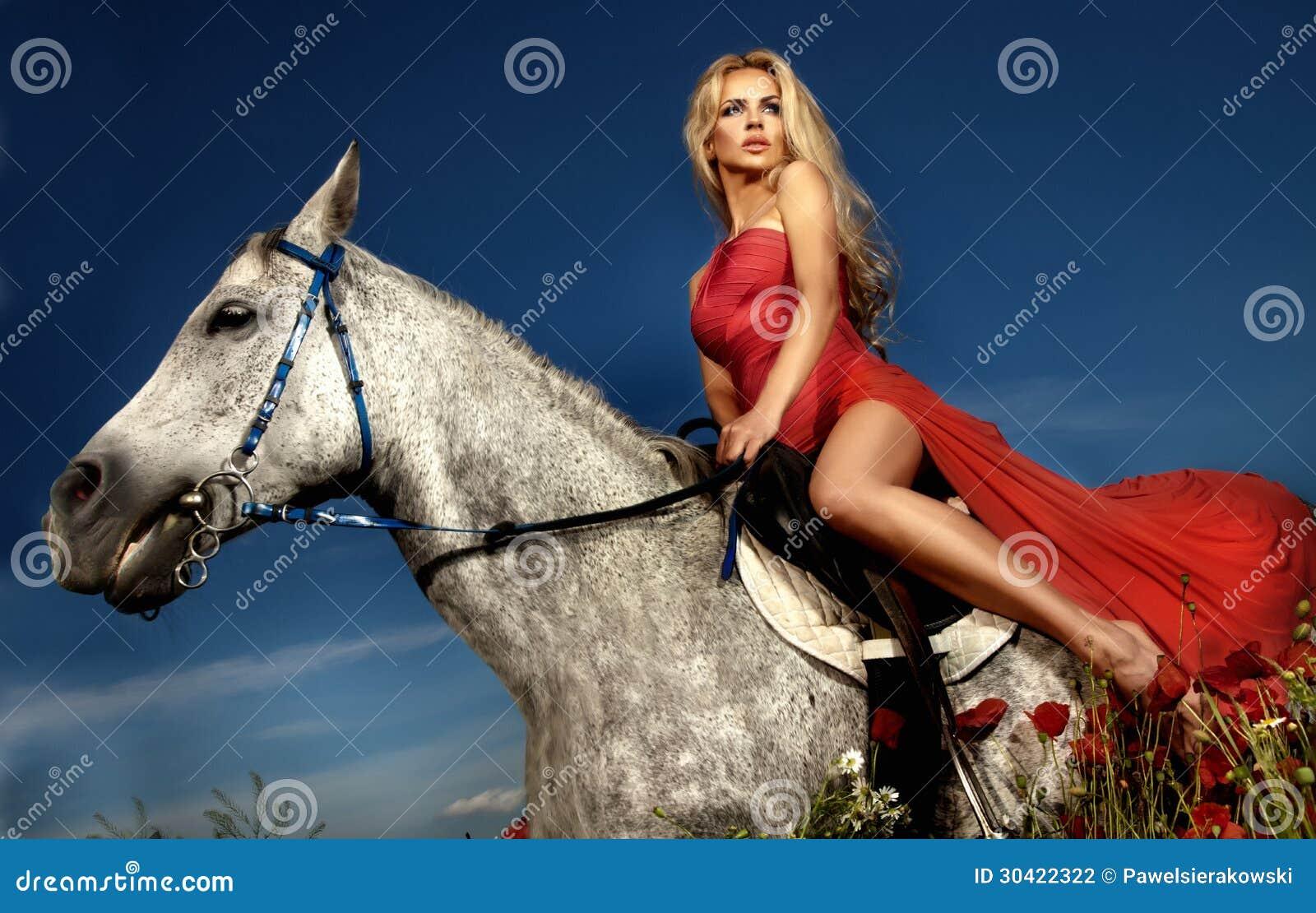 Stars Nude Reiten Ein Pferd Pics
