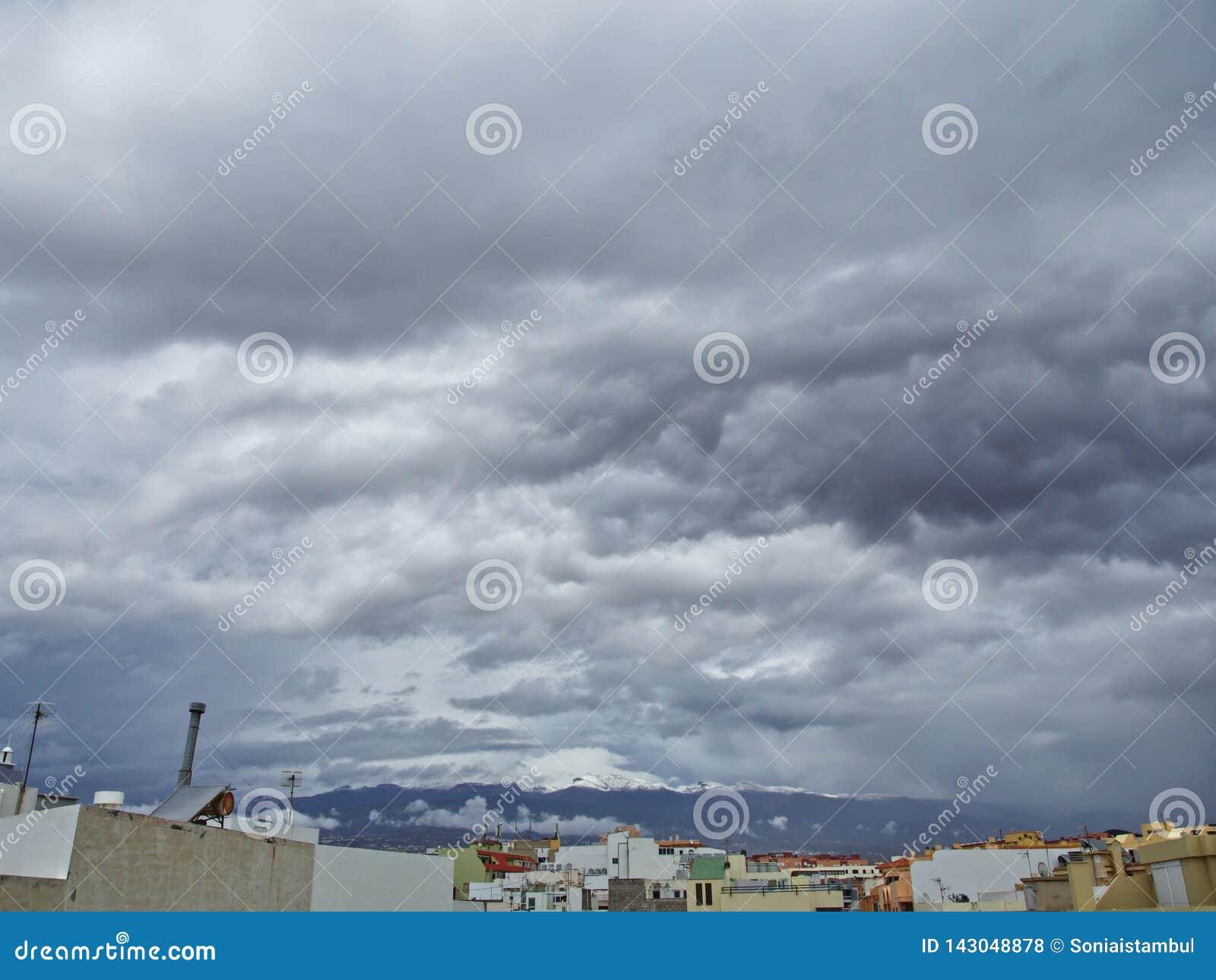 Schnee in den Kanarischen Inseln, Teneriffa, Spanien