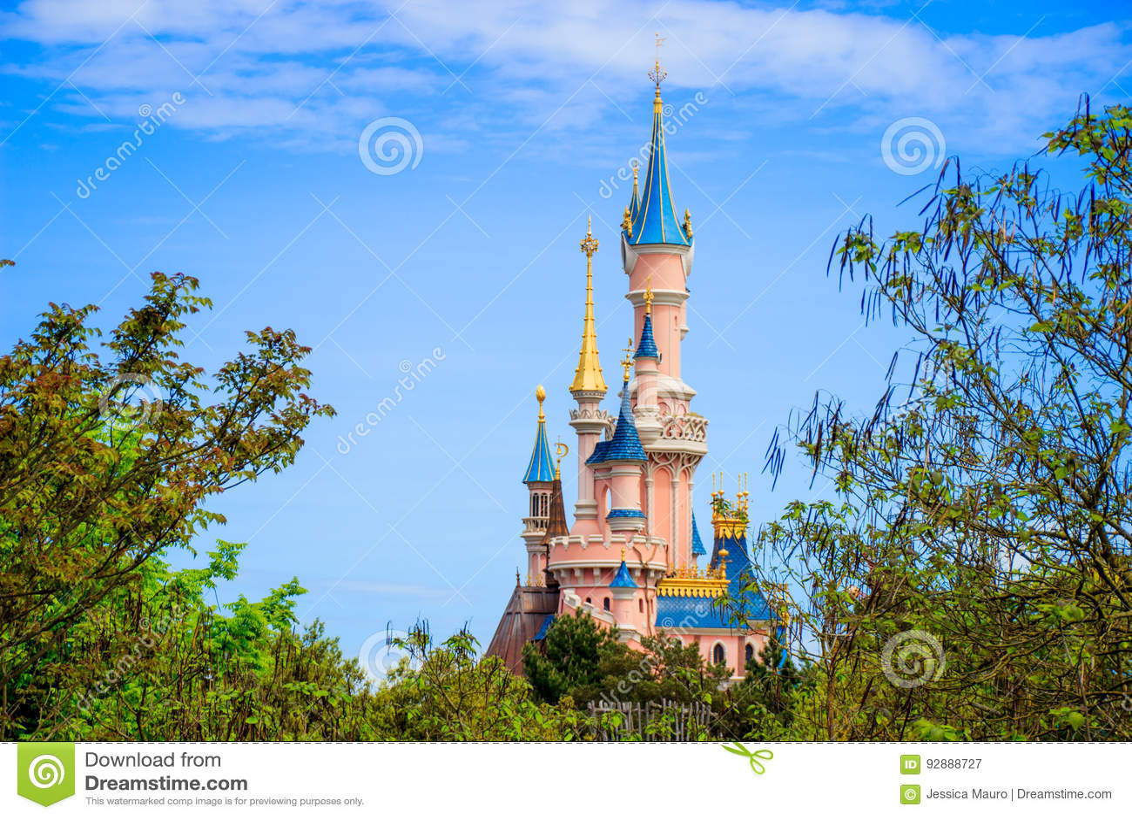 Schneewittchen ziehen sich bei Disneyland Paris, Eurodisney-Leitartikel zurück