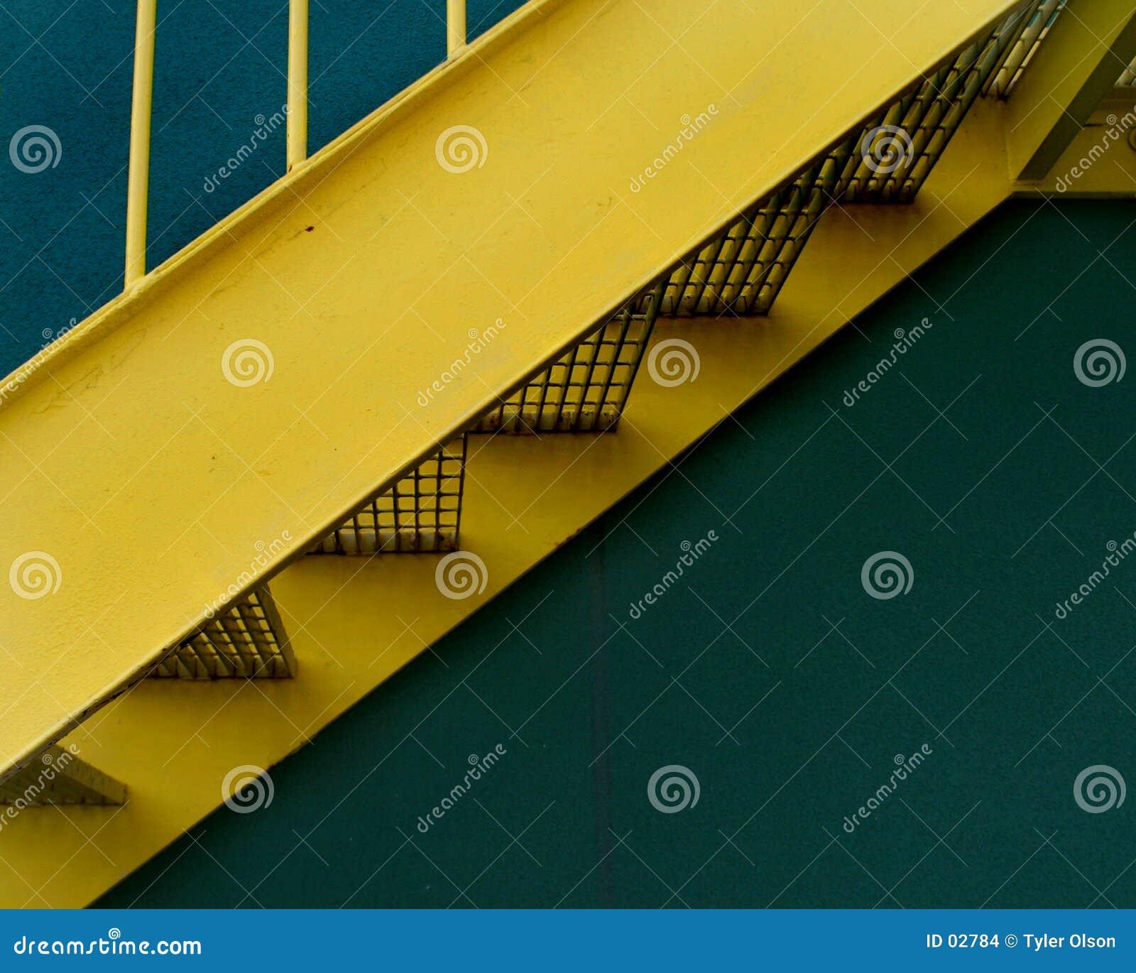 Schody żółty