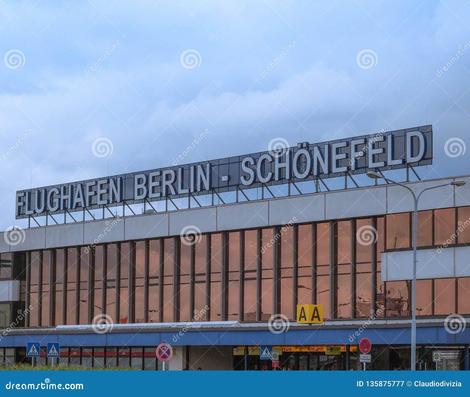 Ankunftszeiten berlin tegel
