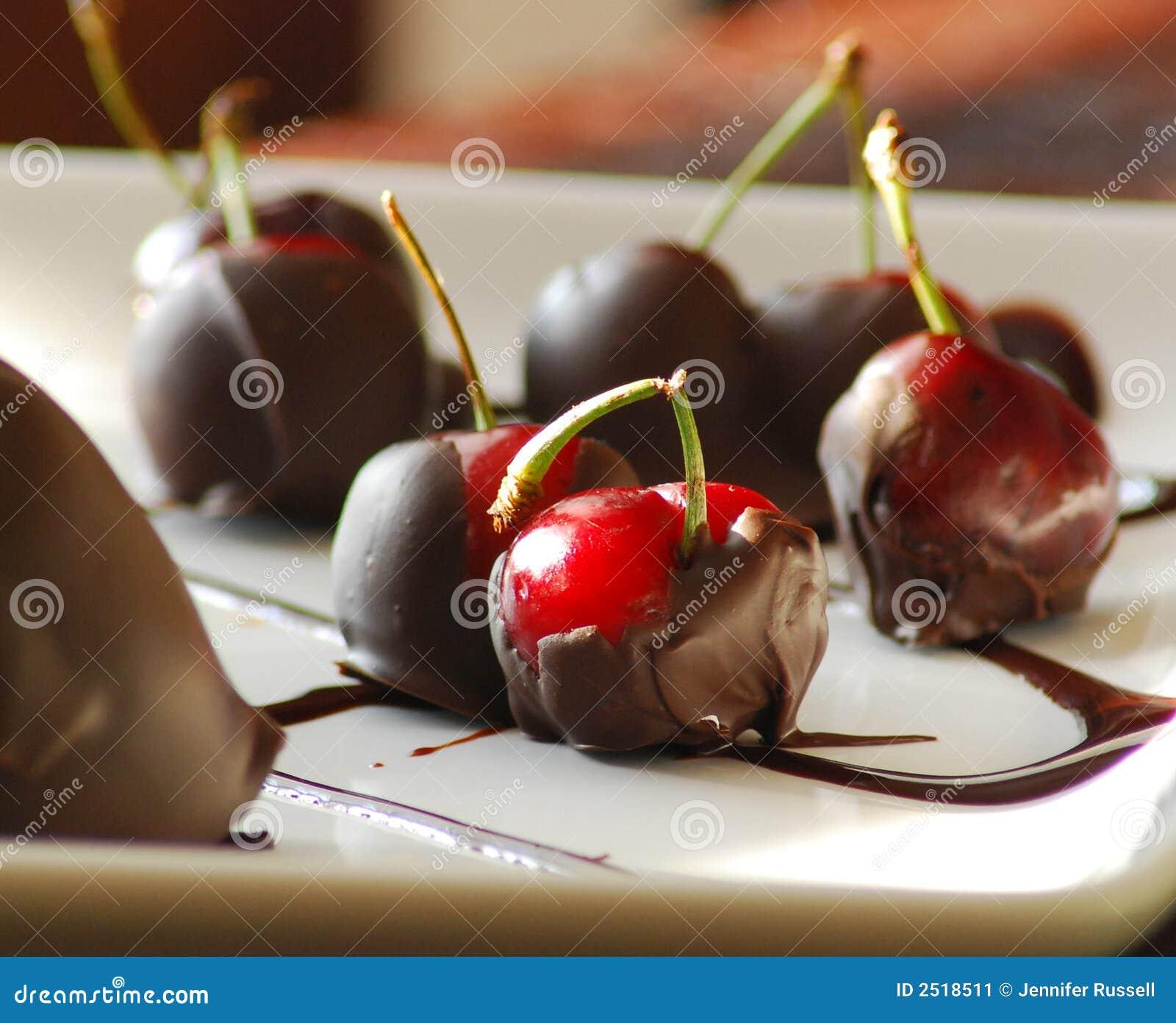 Schokolade deckte Kirschen ab