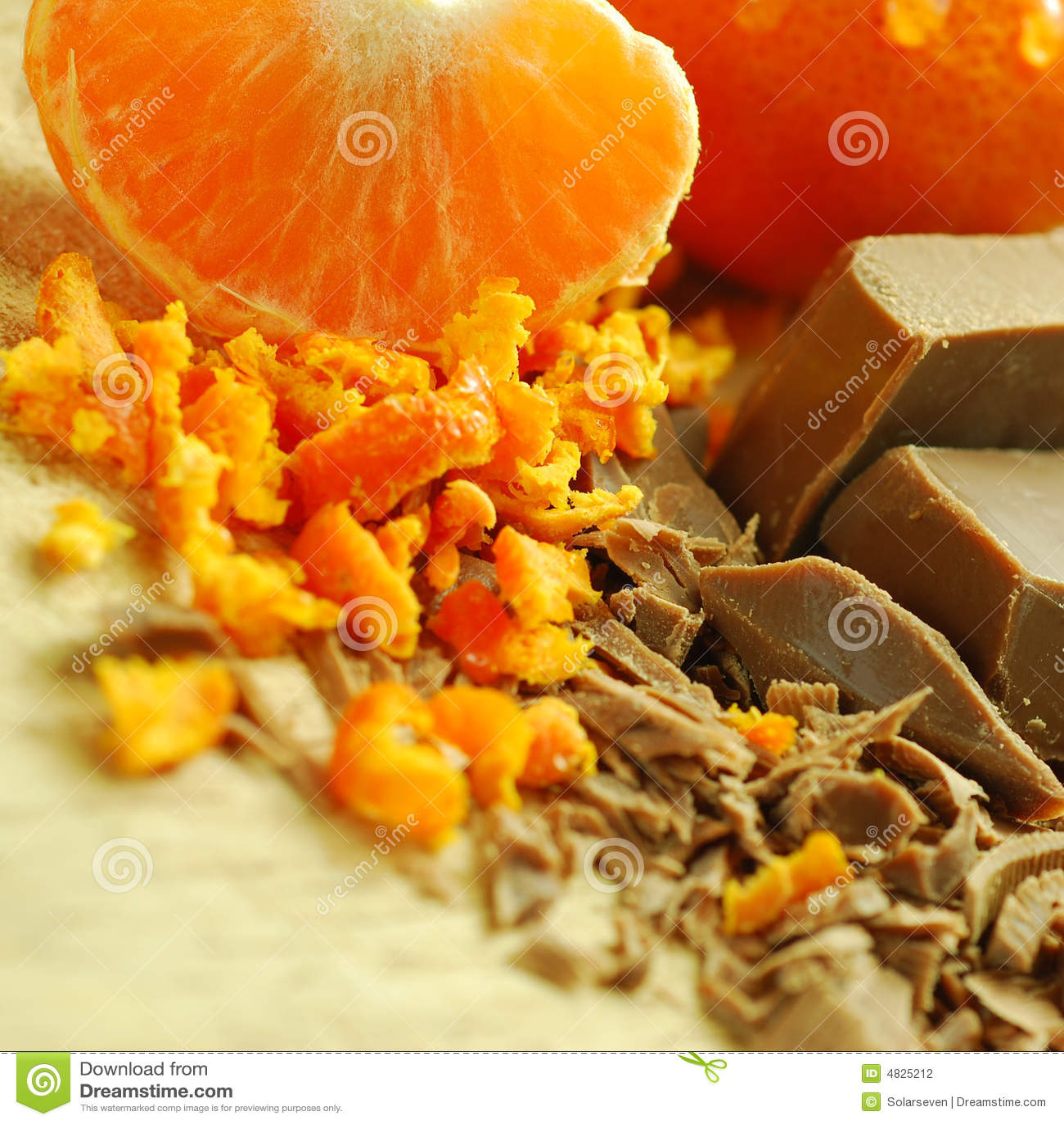 Schokoladen-Flocken und Orange