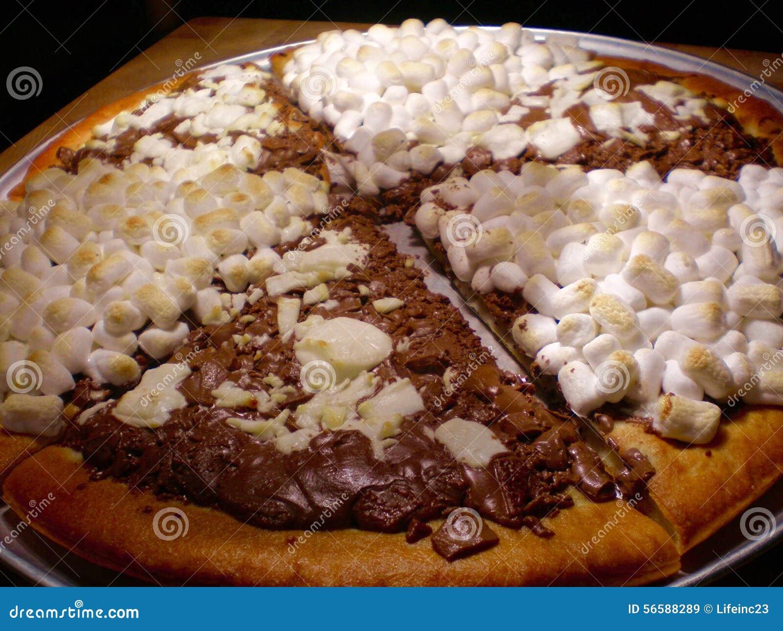 schokoladen pizza stockbild bild von pizza k stlich 56588289. Black Bedroom Furniture Sets. Home Design Ideas
