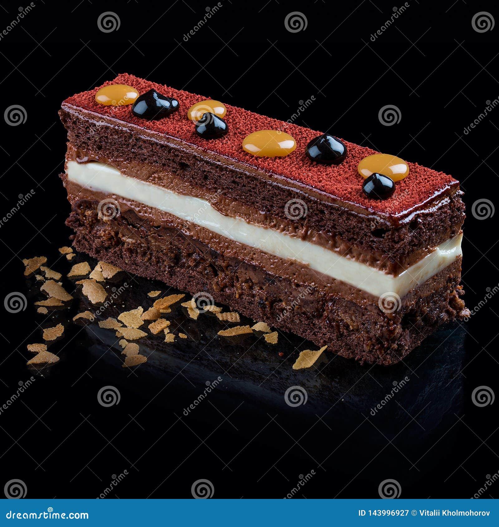 Schokoladenkuchen mit französischem Zefir