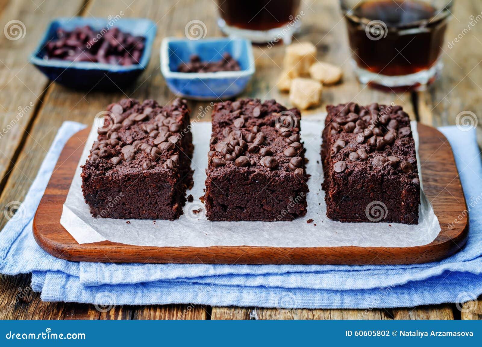 Schokoladensplitterschokoladenkuchen der roten Bohnen