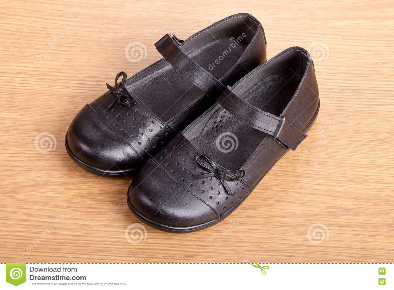 how to make black school shoes shine