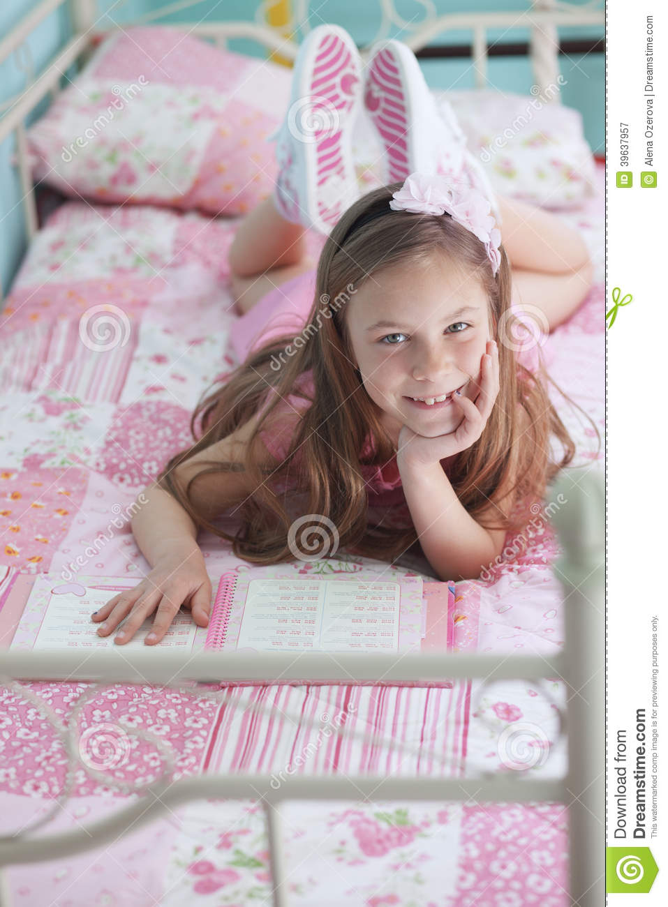 School Girl Reading Stock Photo Image 39637957