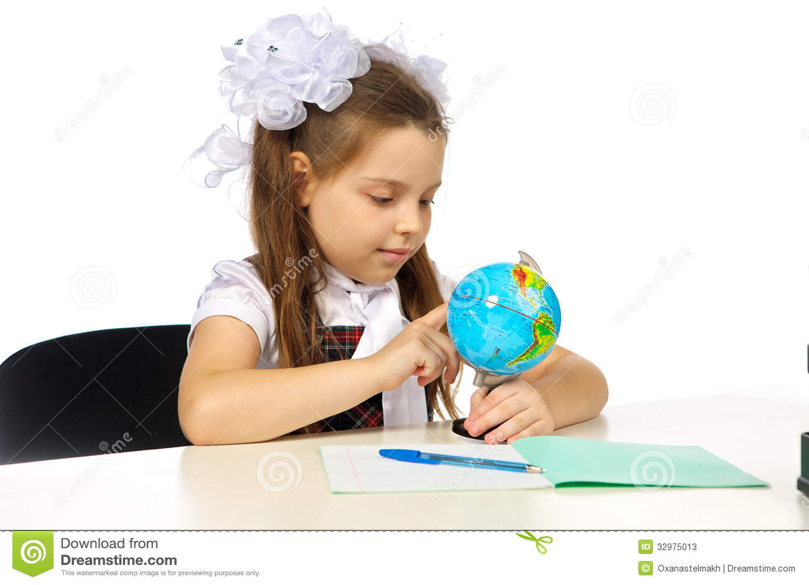 Schoolgirl Elementary School Stock Photos - Image: 32975013